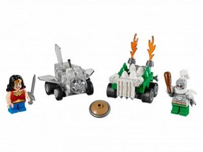 LEGO 76070 - Чудо-женщина против Думсдэя
