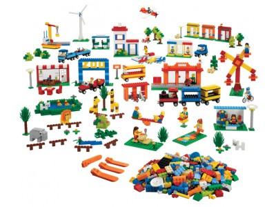 LEGO 9389 - Городская жизнь. LEGO